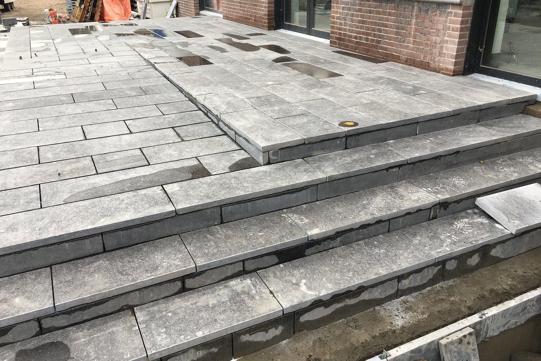 Betonnen Trap Voorbeelden : Betonnen trap tuin