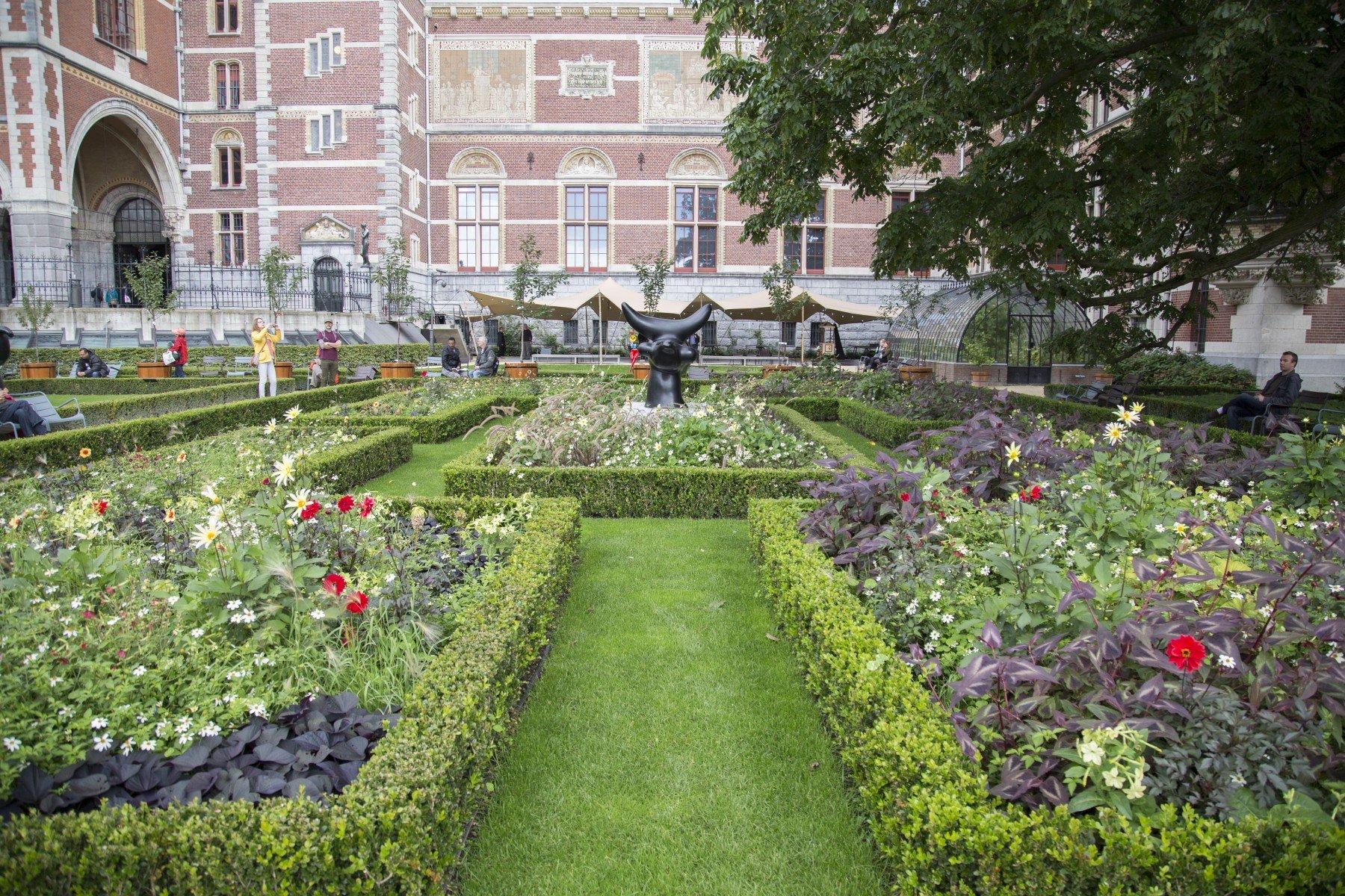 Kunstobjecten Voor Tuin : Aanleg tuin van het rijksmuseum in amsterdam