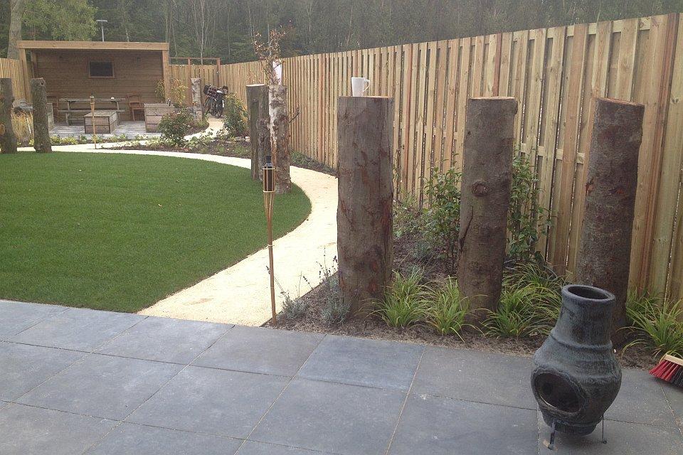 Tuin Houten Palen : Tuinaanleg natuurlijke tuin in almere